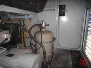 为安装在机车上的七氟丙烷气体自动灭火系统的灭火剂瓶组